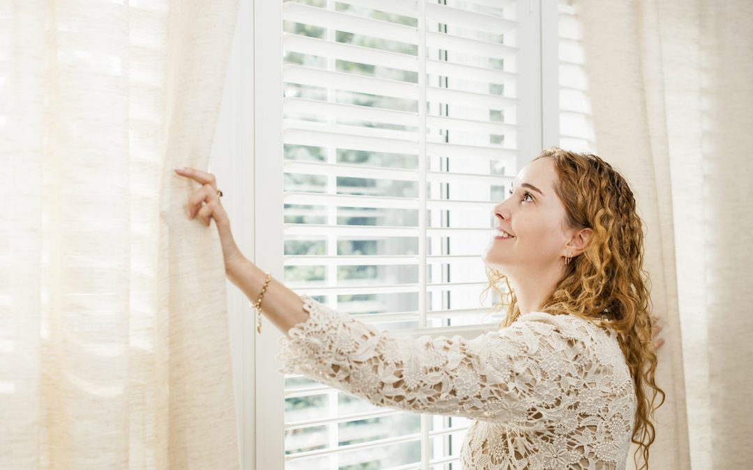 Choosing the Right Window Treatments for Your Conservatory